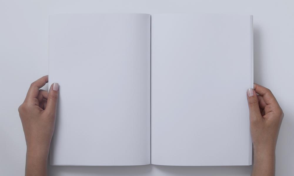 Libro vuoto aperto