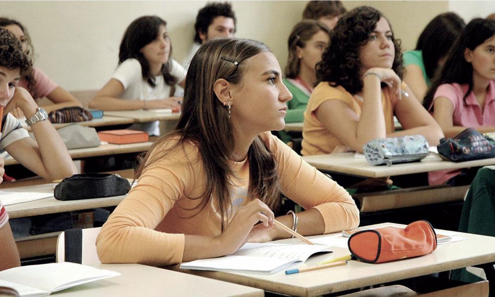 Alunna in classe